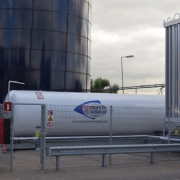 Tank Services Pernis (TSP) neemt 1ste LNG bevoorradingsstation in gebruik.